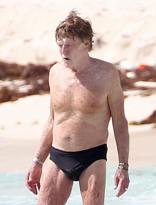 Robert si užíval na mexické pláži.