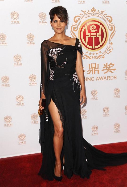 Halle Berry (48)