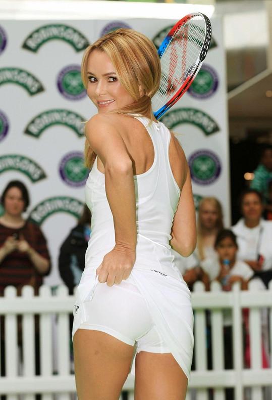 Pozadí špulila na fotografa i během nedávného tenisového zápasu v Westfield Stratford City.