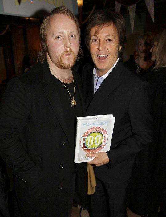 James McCartney s otcem Paulem McCartneym (2014)