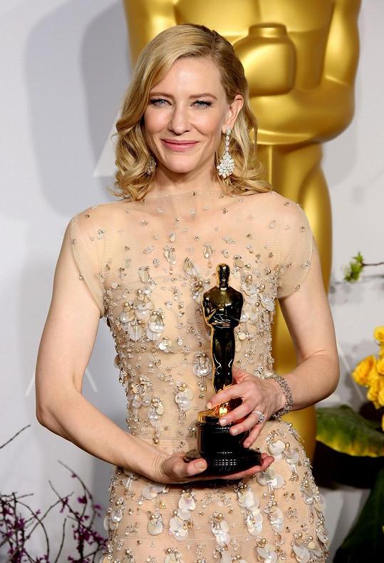 Na letošních Oscarech to byla jiná káva...
