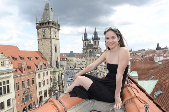 Veronika Kubařová patří mezi naše nejpůvabnější herečky.