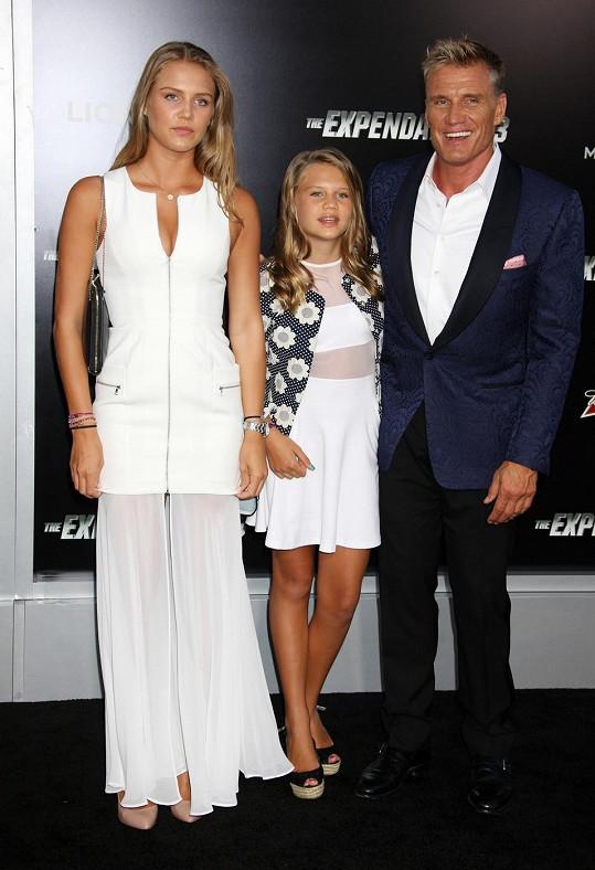 Dolph Lundgren se pochlubil dcerami na premiéře posledních Postradatelných.