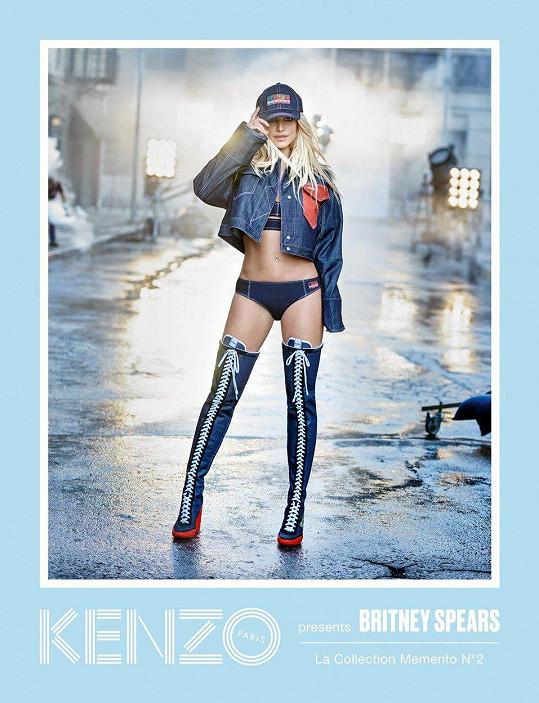 Britney je podle značky Kenzo 'typickou královnou denimu'.
