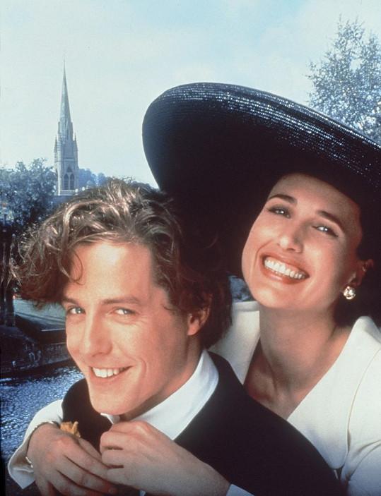 Dvojice v roce 1994 ve filmu Čtyři svatby a jeden pohřeb