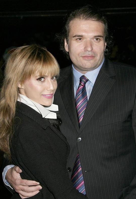 Herečka s manželem, který byl nalezen ve stejném domě mrtvý o pět měsíců později.