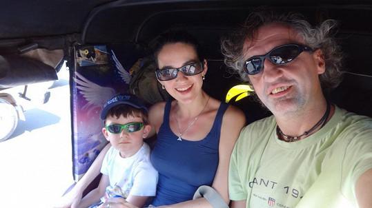Libuška i Mates si užívali jízdu v místním tuk tuku.