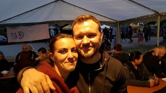 Veronika se svým přítelem Tomášem Krejzou, který útočníka nakonec dopadl...