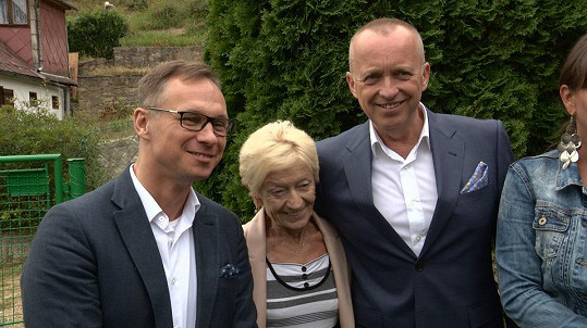 Karel Voříšek s partnerem Vláďou a maminkou