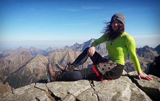 Sára hory miluje, nedávno byla v Tatrách.