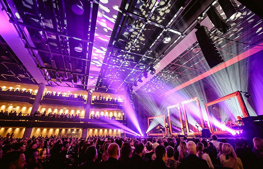 Kanadská diva koncertovala v nových prostorách Forum Karlín.