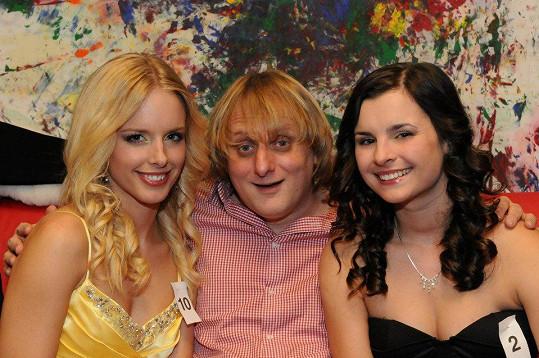 Jana s kamarádkou a Lukášem Pavláskem.