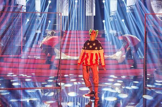 Berenika Kohoutová jako frontman kapely Prodigy zabodovala.