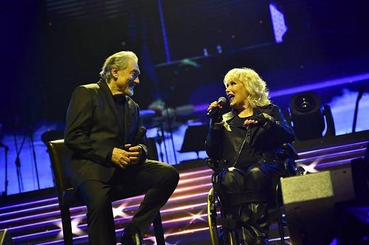 Karel si zazpíval i s Marikou Gombitovou.