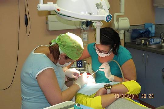 Tereza se nechala dokonce vyfotit na operačním sále.