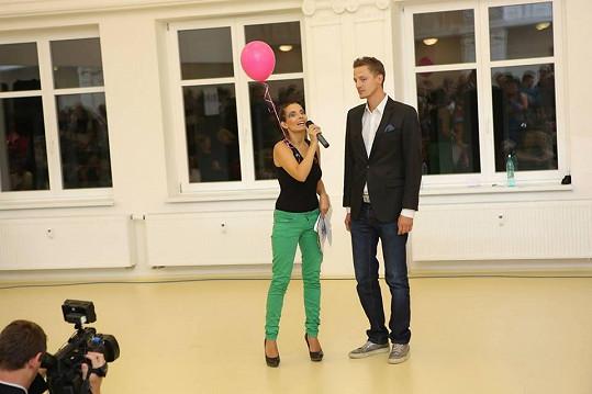 Eva, její růžový balonek a Ondřej Ruml