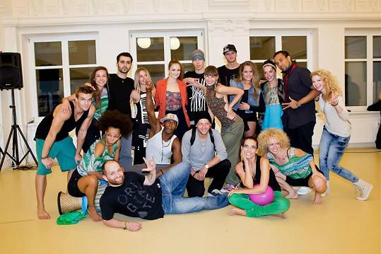 Společné foto partičky tanečníků a lektorů