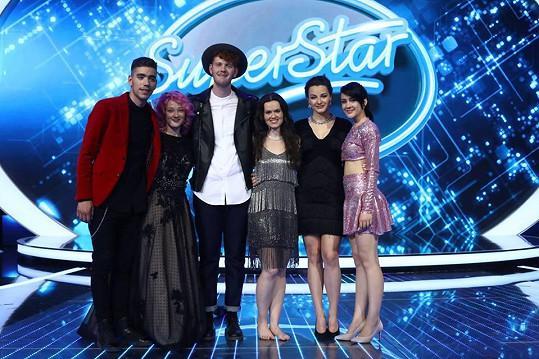 V SuperStar pokračuje šest soutěžících: Petr Borkovec, Tereza Mašková, Jakub Pružinský, Karmen Pál-Baláž, Aneta Horňáková a Eliška Rusková (zleva)