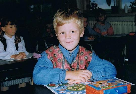 """Jarda byl rozkošné, ale dle svých slov poněkud buclaté dítko. """"Jako malý jsem rád papkal,"""" smál se nad svou dětskou fotografií."""