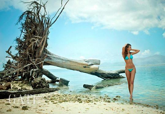 Lucie předvedla úchvatné tělo na břehu Indického oceánu.