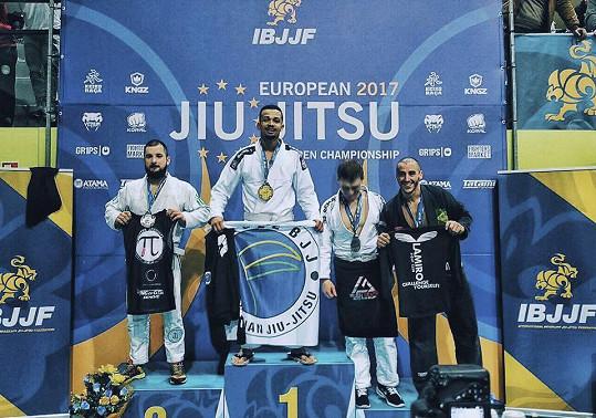 Zvítězil na evropském mistrovství.
