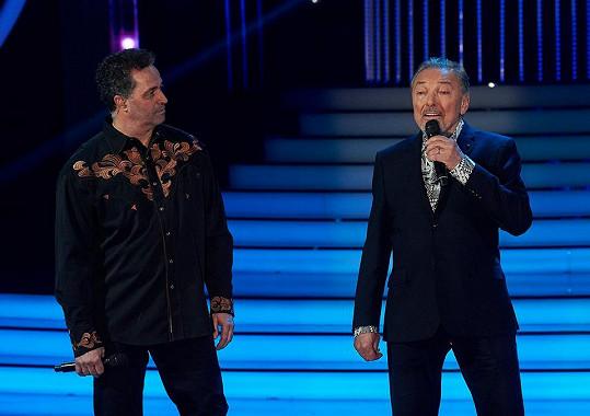 Hostem byl Karel Gott, který s Martinem Dejdarem zazpíval píseň Být stále mlád.