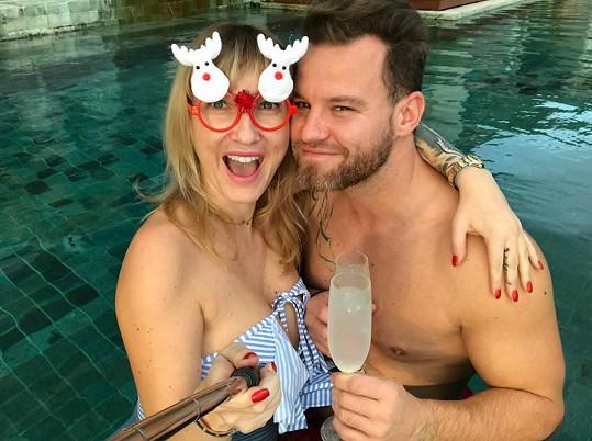 Dominika s přítelem Tomášem oslavili Vánoce trochu jinak.