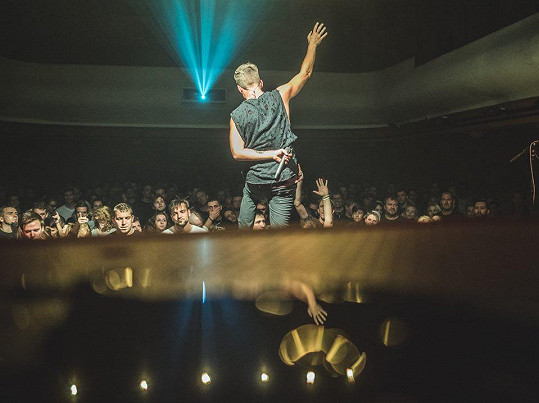 Na jaro 2019 mají The.Switch v plánu vzpomínkové klubové tour s pracovním názvem Beautiful 15 Years, kde chtějí po patnácti letech od vydání vzdát hold svému debutovému albu Beautiful, které z nich udělalo jednu z nejvíce rezonujících rockových kapel na domácí klubové scéně.