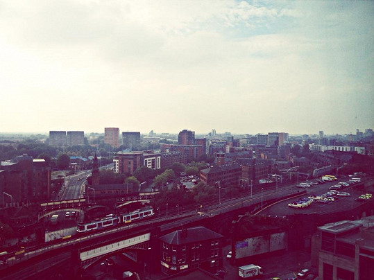 Výhled z Terezina hotelového pokoje v Manchesteru.