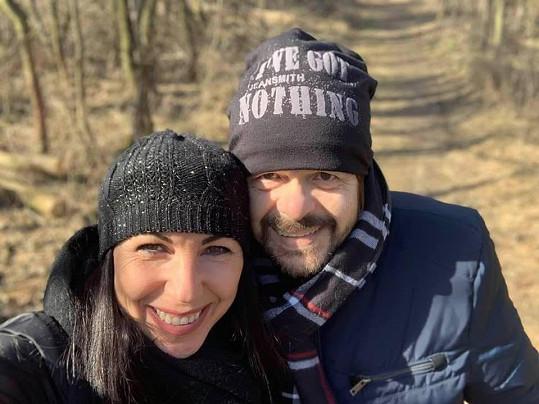 Karanténu tráví se svou ženou Alenkou.