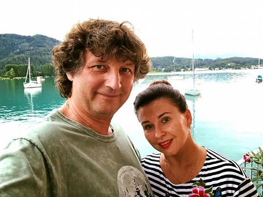 S manželem Petrem Maláskem si užívají zasloužené volno.