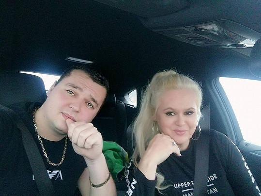 Monika Štiková se už zase chlubí mladším přítelem Danielem.
