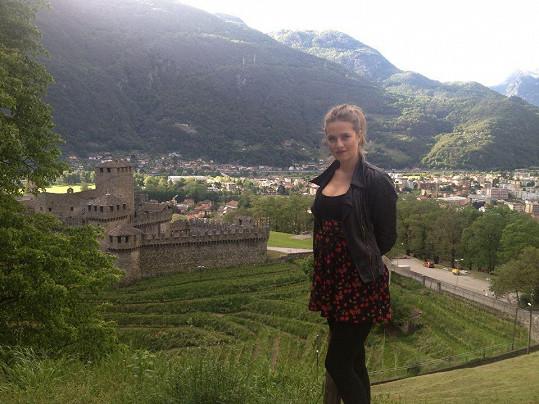 Emma dost cestuje i pracovně. Před pár dny byla například ve Švýcarsku.