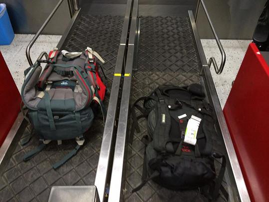 Z toho, co pokládá na zavazadlový pás, byla sama tak v šoku, že snímek umístila na sociální síť.