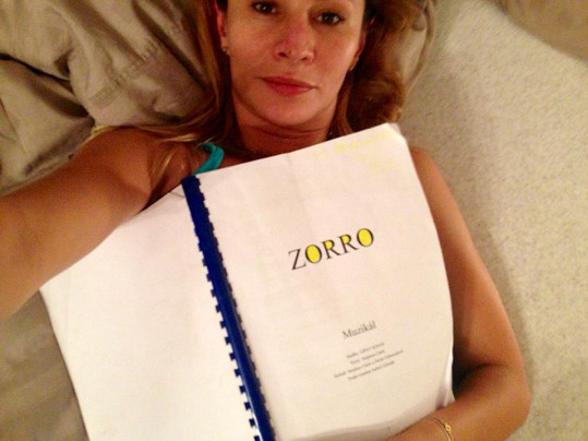 Takto vypadá Monika Absolonová, když je zmožena únavou.