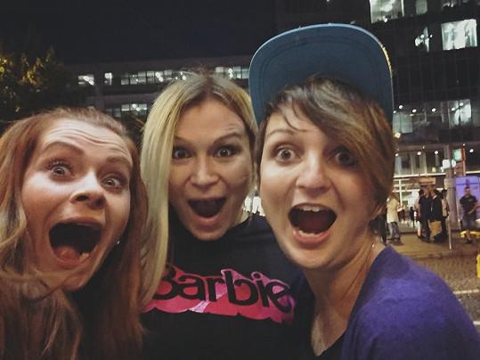 Zdenička, Eva a Lucka se kamarádí i po skončení soutěže.