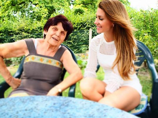 Tereza s babičkou