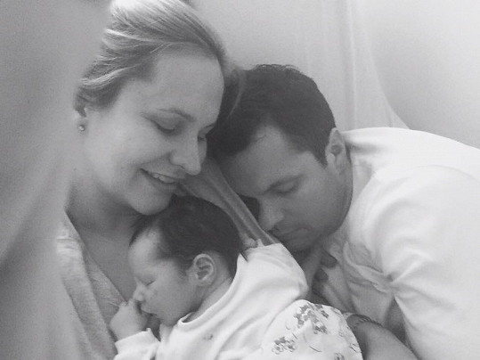 Rodinka zářila po narození syna štěstím.