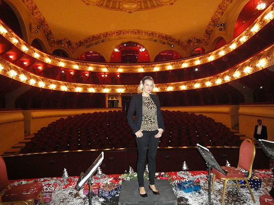 V tamní opeře