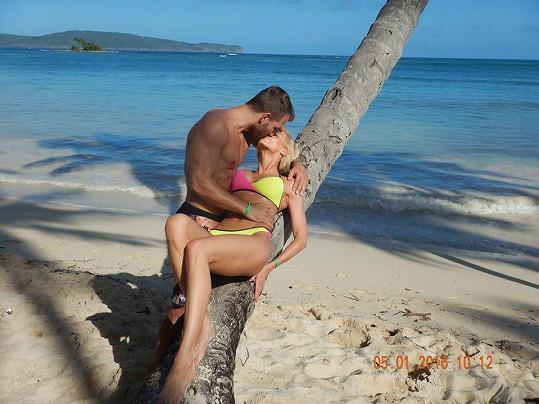 Hana Mašlíková si s přítelem Andrém užívá dovolenou v Karibiku.