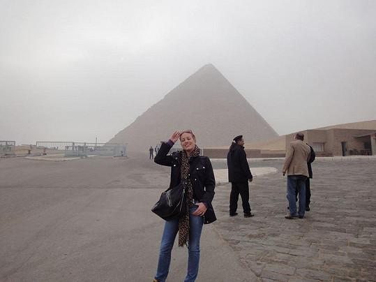 Pod pyramidami