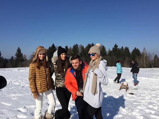Nedávno fotil Ezy s modelkami Budkovou, Vignerovou a Fajksovou kalendář pro charitu.