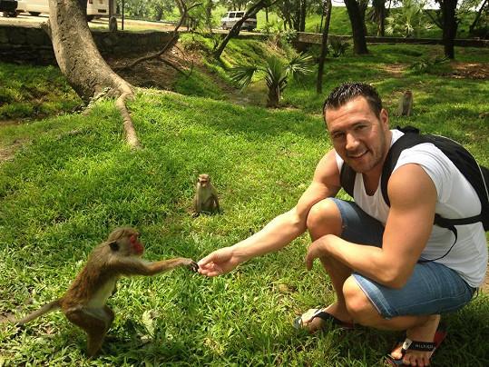 Na opičky ho užije...