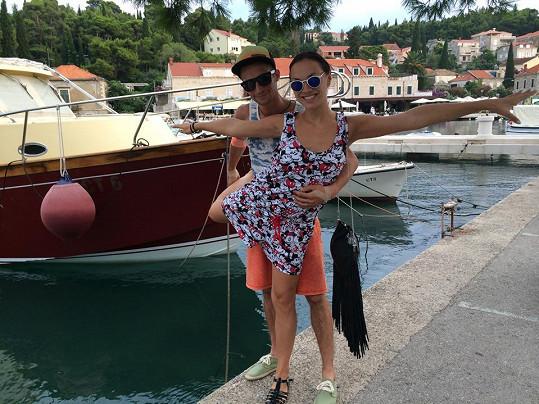 Kamila s přítelem