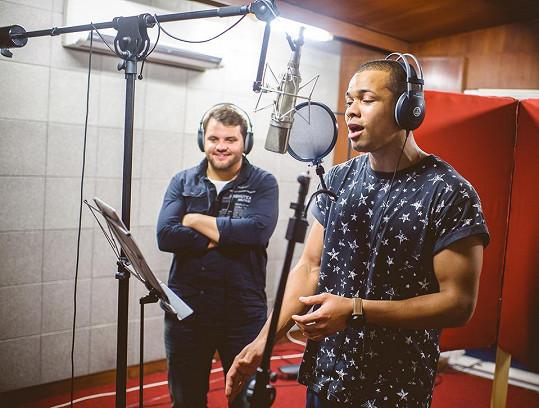 Ben Cristovao a Ezy natáčejí píseň To jediný.