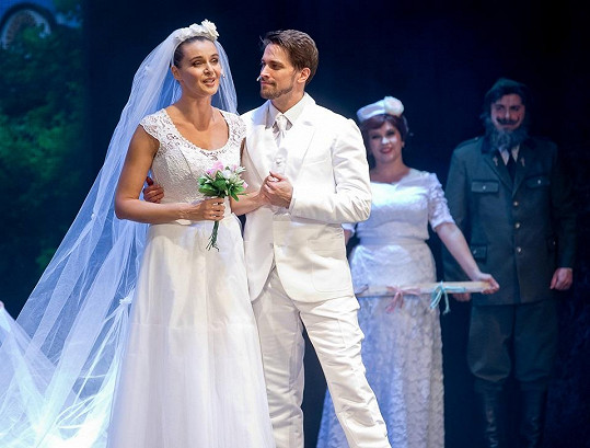V muzikálu Trhák s Ivou Kubelkovou