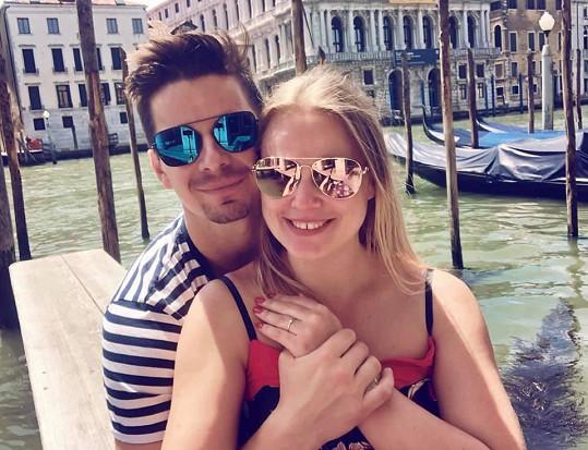 Kamila se snoubencem Davidem v Benátkách