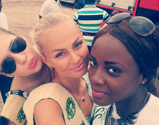 Tereza Fajksová na soutěži krásy v Ghaně