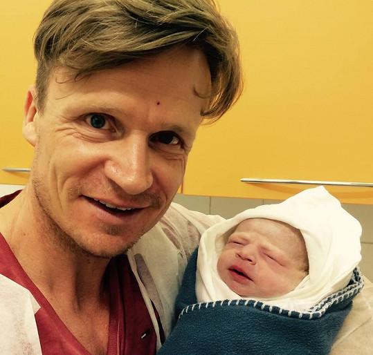 David Huf je už dvojnásobný tatínek.