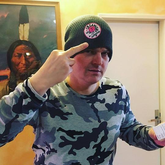 Petr Vlasák statečně bojuje s rakovinou.